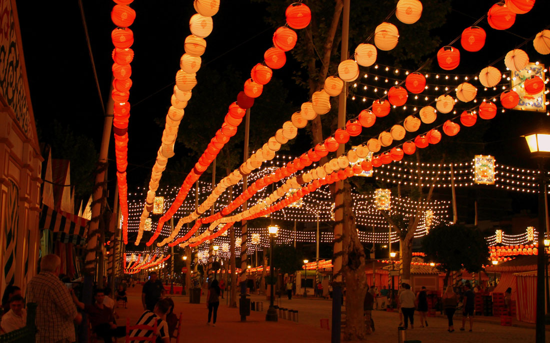 Verlichting Feria de Abril in Sevilla