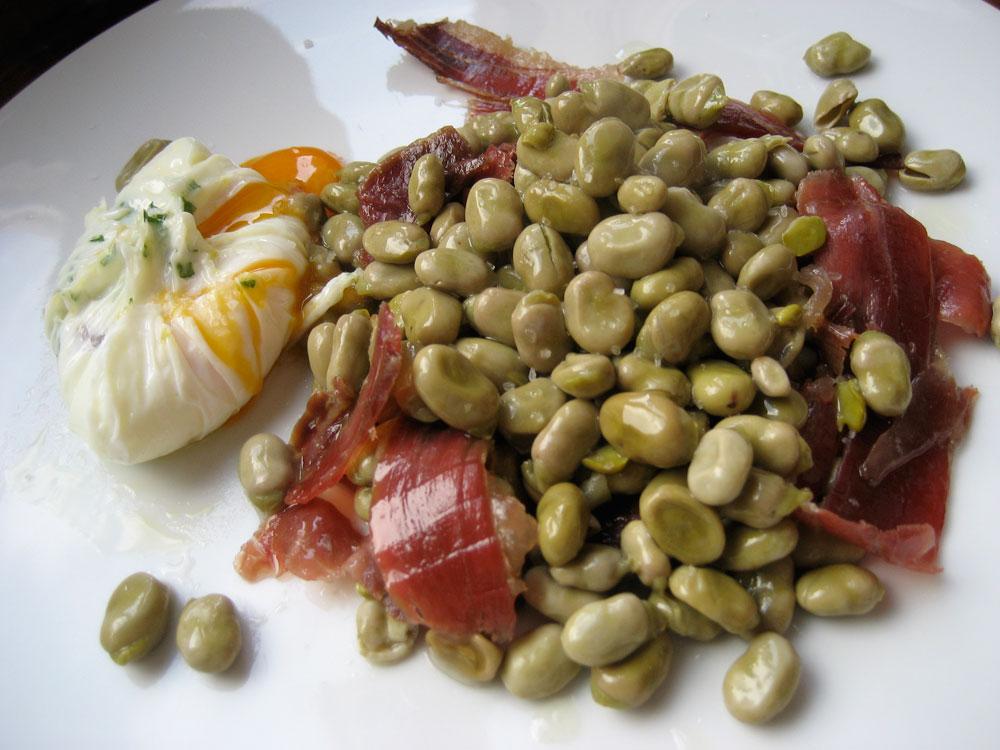 Typisch gerecht uit Granada: Habas con Jamon