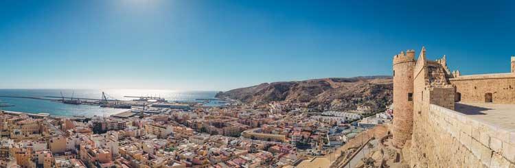 Uitzicht over de stad Almeria